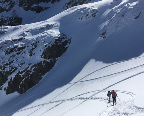 skinning up. Ski mountaineering in la Grave